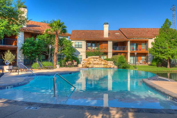 The Landmark - 144 Landa St, New Braunfels, TX 78130