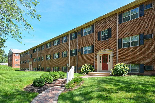 Naamans Village Apartments - 749 Montclair Dr, Claymont, DE 19703