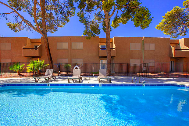 Golden Pond - 1450 East Harmon Avenue, Paradise, NV 89119