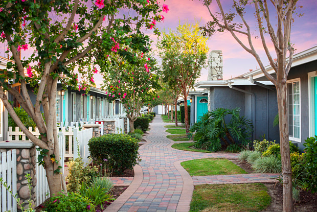 Stonybrook - 730 S Beach Blvd, Anaheim, CA 92804
