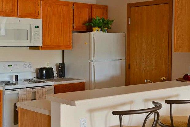 Hidden Oak Apartments - 8600 82nd St, Pleasant Prairie, WI 53158