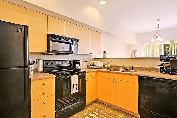 Borgata Apartments and Townhomes - 400 S 50th St, Renton, WA 98055