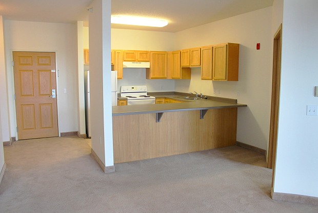 Grande Market Place Apartments - 12700 Nicollet Ave, Burnsville, MN 55337