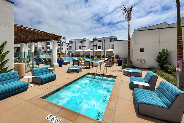 Dylan Point Loma - 2930 Barnard St, San Diego, CA 92110