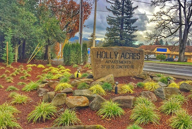 Holly Acres - 3710 SE Concord Rd, Oak Grove, OR 97267