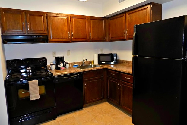 Tall Oaks Apartments - 2475 Brookshire Drive, Niskayuna, NY 12309