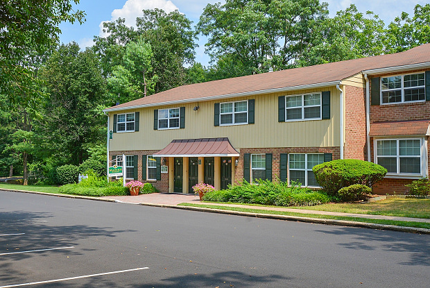 Willow Run Apartments - 3505 W Moreland Rd, Willow Grove, PA 19090