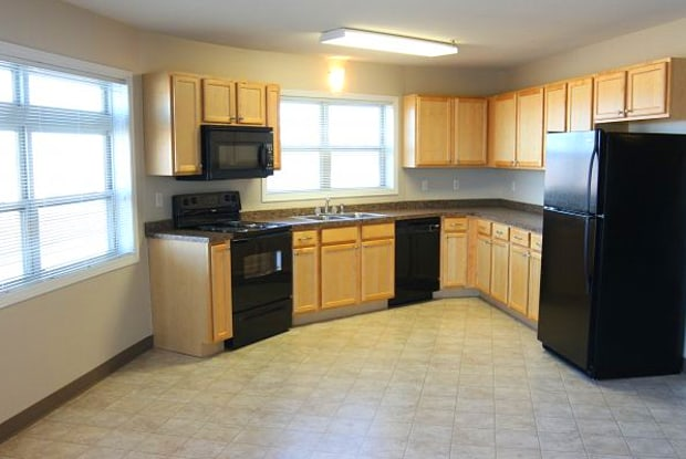 Campus Place V Apartments - 411 North 42nd Street, Grand Forks, ND 58203