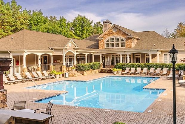Colonial Grand at Barrett Creek - 2400 Barrett Creek Blvd NW, Marietta, GA 30066
