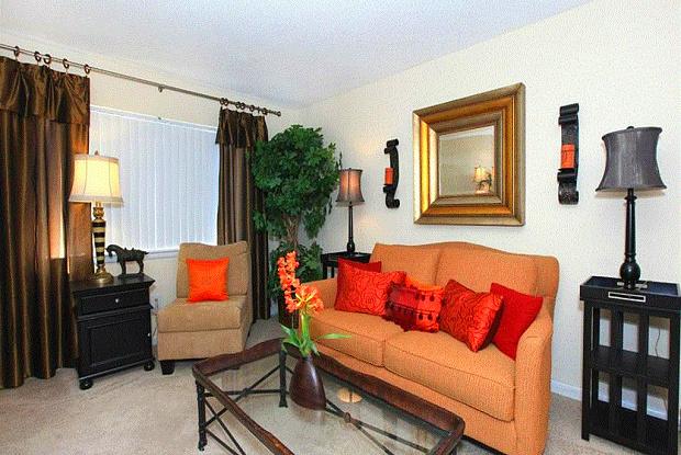 Hanover Landing Apartments - 3439 Wilshire Blvd, Wilmington, NC 28403