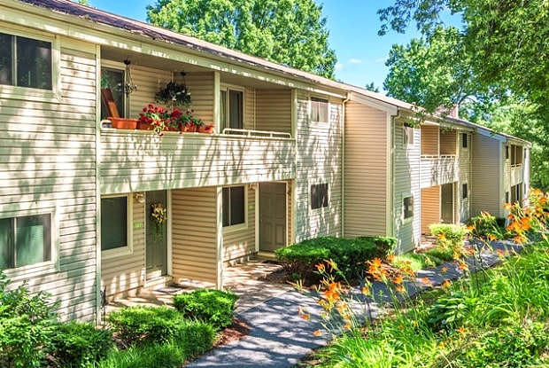 Williamsburg Estates - 500 Beacon Dr, Colonial Park, PA 17109