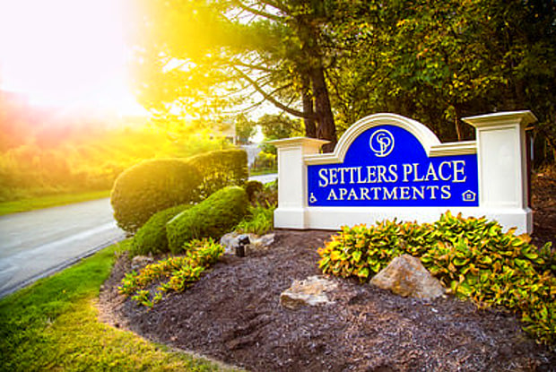Settlers Place Apartments - 1600 Settlers Dr, Oakdale, PA 15071