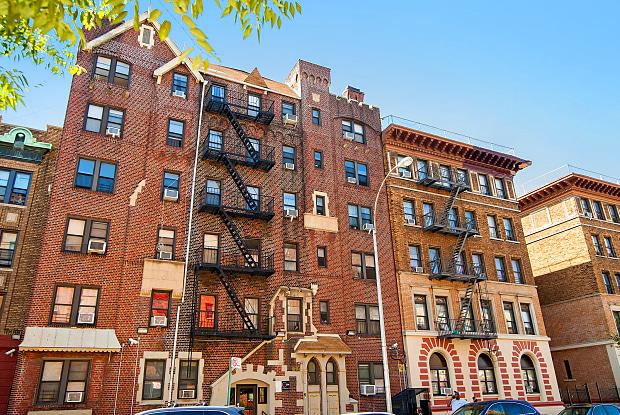 40 Linden Boulevard - 40 Linden Blvd, Brooklyn, NY 11226