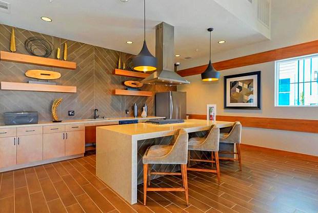 Esencia Sur Apartment Homes - 92 Esencia Dr, San Clemente, CA 92679