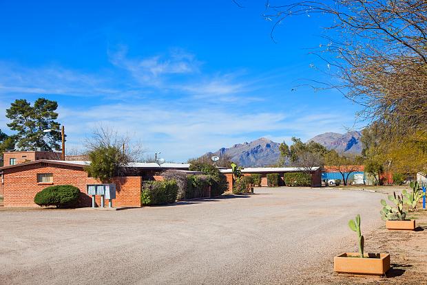 Crown Estates - 4253 East Flower Street, Tucson, AZ 85712