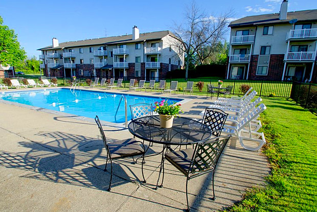 Eastland Apartments - 4243 Forest Creek Ct SE, Kentwood, MI 49512