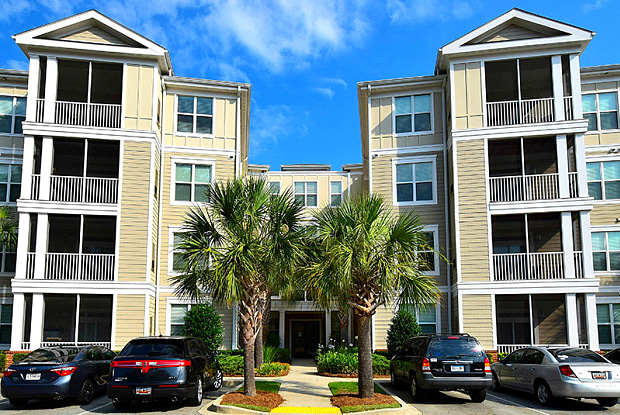 Abberly at West Ashley - 3100 Ashley Town Center Dr, Charleston, SC 29414