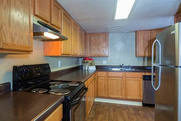 The Towers Apartments - 5404 Montgomery Blvd NE, Albuquerque, NM 87109