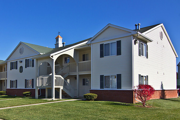 Steeplechase Apartments & Townhomes - 1140 Steeple Chase Cir, Toledo, OH 43615