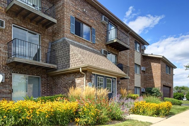 Carol Stream Il >> The Greenway At Carol Stream Carol Stream Il Apartments For Rent