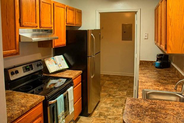 Rohoic Wood Apartments - 6101 Duncan Rd, Petersburg, VA 23803
