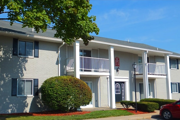 Boulder Creek Apartment Homes - 1255 S Byrne Rd, Toledo, OH 43614