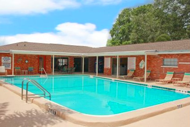 Cortez Plaza Apartments - 4507 9th St W, West Bradenton, FL 34207
