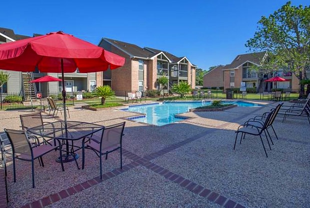 Bay Meadows - 17201 Blackhawk Blvd, Friendswood, TX 77546