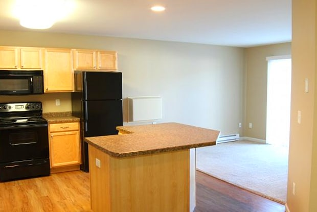 McEnroe Place - 3750 Garden View Drive, Grand Forks, ND 58201