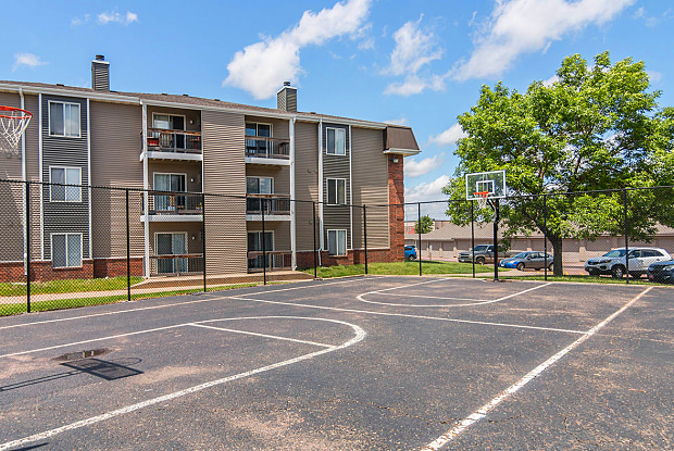 Penbrooke Place - 4100 W Valhalla Blvd, Sioux Falls, SD 57106