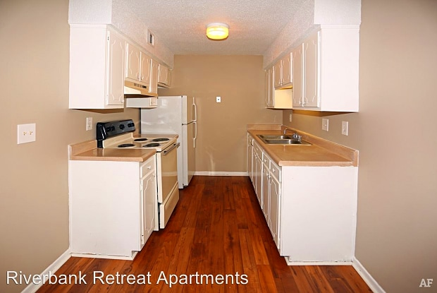 Riverbanks Retreat - 1035 Comanchee Trl, West Columbia, SC 29169