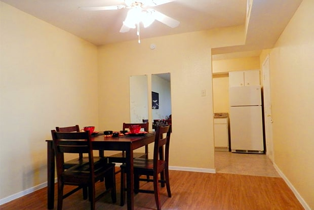 Riverbend Apartments - 701 E Arkansas Ln, Arlington, TX 76010