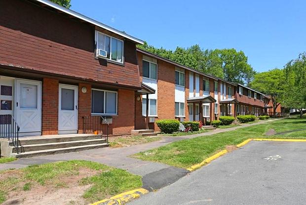 Beau Oakland/Parkside Gardens Apartments   300 Britannia St, Meriden, CT 06450