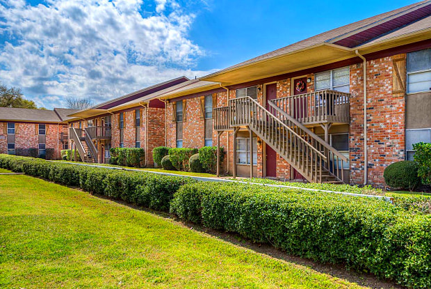 Tomball Ranch - 327 West Hufsmith Road, Tomball, TX 77375