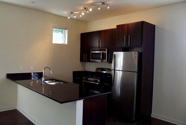 Row House 31 - 2650 N Humboldt Bl, Milwaukee, WI 53212