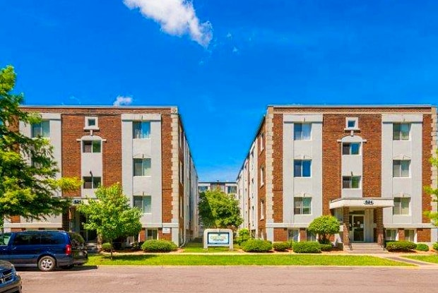 Capital Manor Apartments - 515 S Chestnut St, Lansing, MI 48933