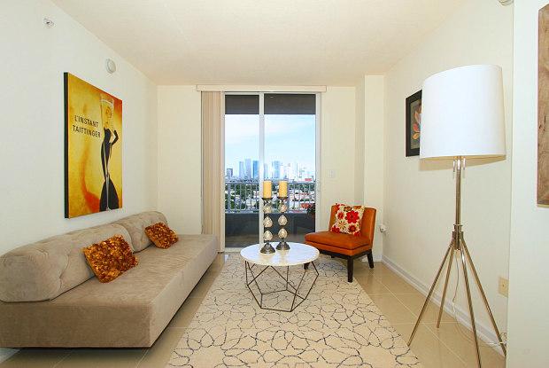 Vista 12 - 420 SW 12th Ave, Miami, FL 33135