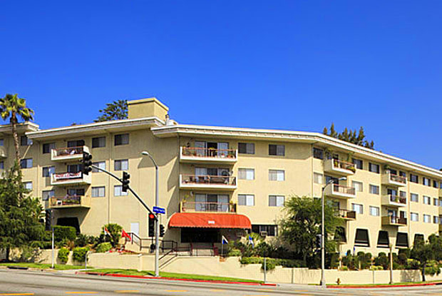 Los Feliz Summit Apartments - 3901 Los Feliz Blvd, Los Angeles, CA 90027