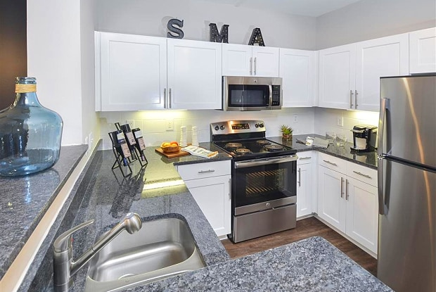 Savannah Midtown - 215 North Ave NE, Atlanta, GA 30308