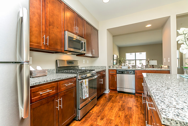 Townes at Pine Orchard - 3252 Pine Orchard Ln, Ellicott City, MD 21042