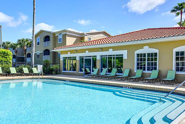 Oviedo Grove Apartments - 1600 Oviedo Grove Cir, Oviedo, FL 32765