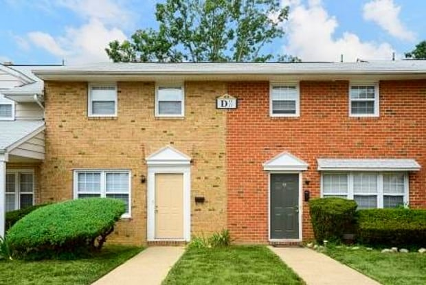 Vineland Village Apartments - 890 E Walnut Rd, Vineland, NJ 08360