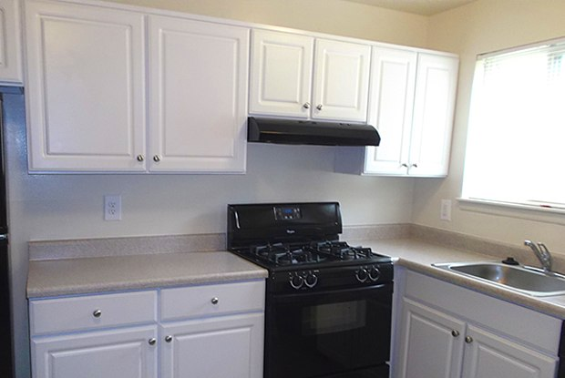 Taylor Park Apartments - 35 Mopec Cir, Overlea, MD 21236