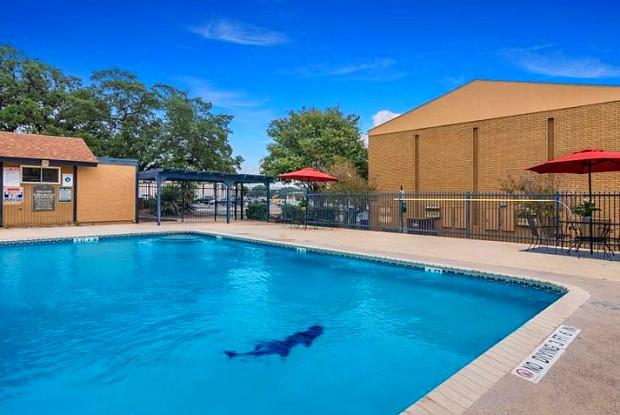 Ashler Oaks - 4100 Parkdale St, San Antonio, TX 78229