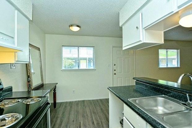 Midtown Flats - 615 W St Johns Ave, Austin, TX 78752