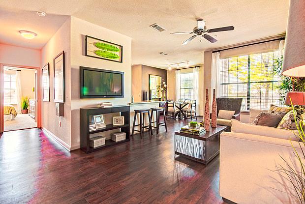 Villas Tech Ridge - 13838 The Lakes Blvd, Pflugerville, TX 78660