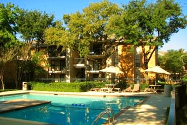 Bachman Oaks - 2501 Webb Chapel Ext, Dallas, TX 75220