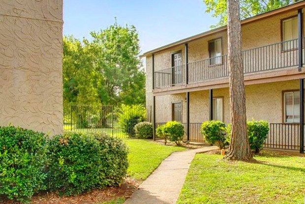 Chateau Royale Apartments - 4900 Lisa St, Alexandria, LA 71302