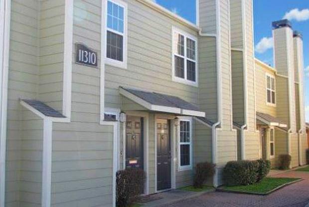 Belmont Park Town Homes - 11310 E 23rd St, Tulsa, OK 74129
