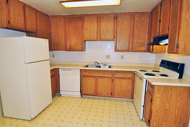 Twin Palms - 12571 Laurel Street, Lakeside, CA 92040